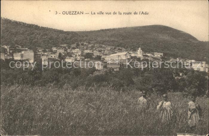 Ouezzan La ville vue de la de Adir Kat. Marokko
