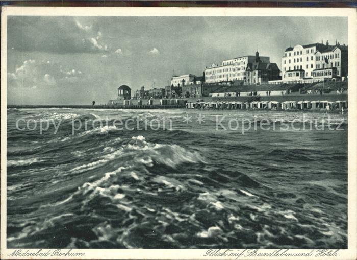 Borkum Nordseebad Blick auf Strandleben und Hotels