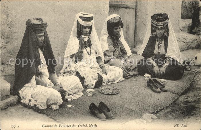 Alger Algerien Groupe de Femmes des Ouled Nails / Algier Algerien /