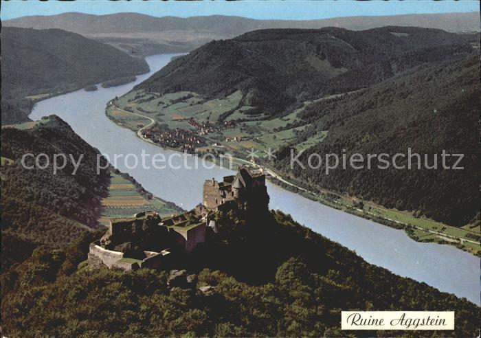 Burgruine Aggstein Fliegeraufnahme / Schoenbuehel-Aggsbach /Mostviertel-Eisenwurzen