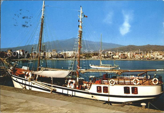 Giardini naxos taormina hafen boot kat messina sicilia nr