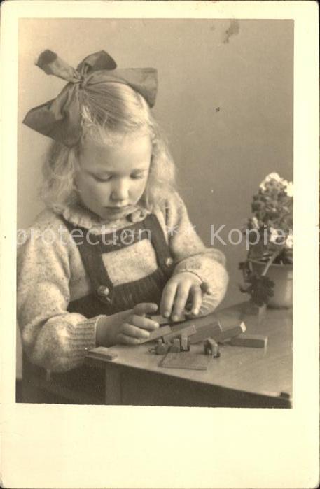 kk86366 Kinder Child Enfants Maedchen Spielzeug  Kategorie. Kinder Alte Ansichtskarten