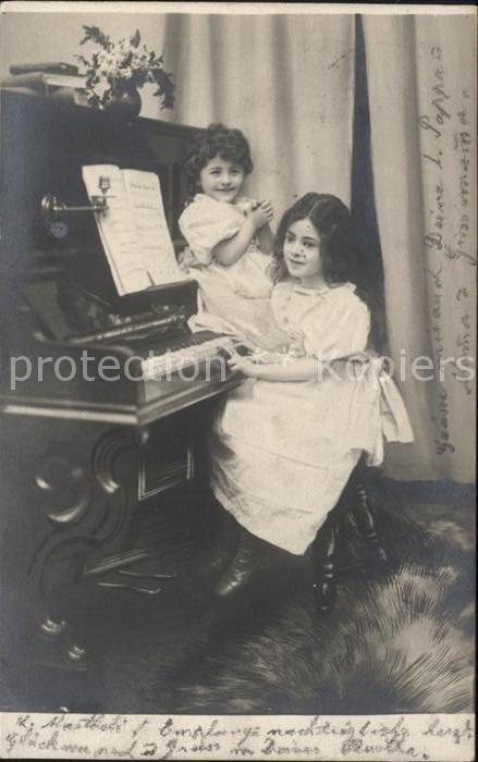 Klavier Kinder Maedchen  Kat. Musik
