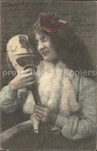 Mandoline Frau Rose La Cigale  Kat. Musik