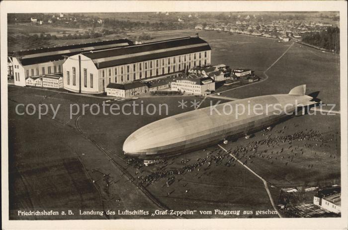 Zeppelin Graf Zeppelin Friedrichshafen am Bodensee Fliegeraufnahme / Flug /