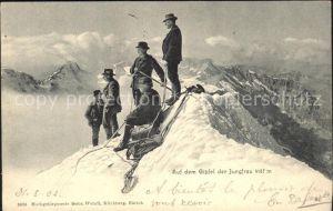 Bergsteigen Klettern Bergsteiger Gipfel Jungfrau / Sport /