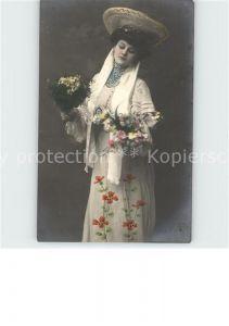 Frauen Mode Hutmode Blumen  Kat. Frauen
