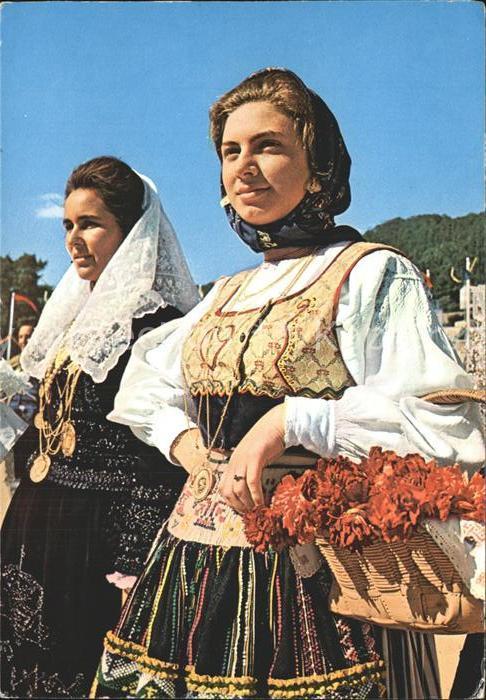 Trachten Portugal Minho Festa do Traye Raparigas de Viana / Trachten /
