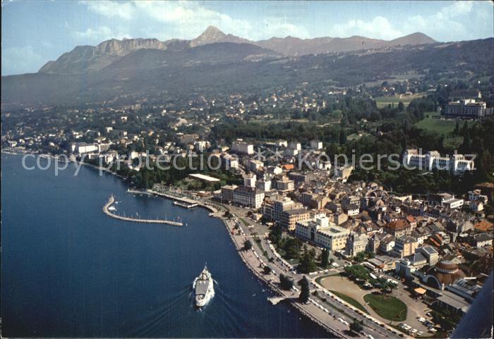 Evian les Bains Haute Savoie Lac Leman Etablissment Thermal Casino Grands Hotels Promenade Port vue aerienne Genfersee Kat. Evian les Bains