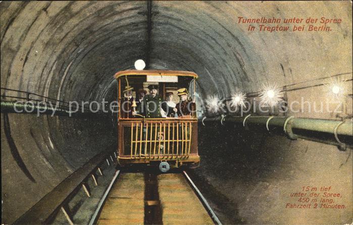 Treptow Berlin Tunnelbahn unter der Spreee / Berlin /Berlin Stadtkreis
