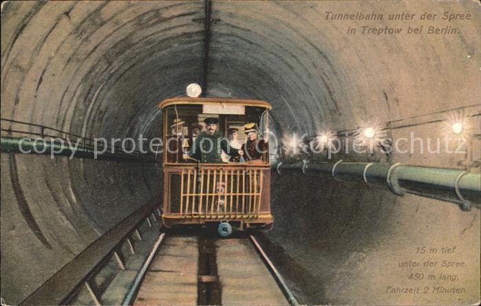 Treptow Berlin Tunnelbahn unter der Spree / Berlin /Berlin Stadtkreis
