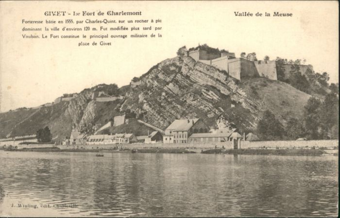 Givet Ardennes Le Fort de Charlemont * / Givet /Arrond. de Charleville-Mezieres