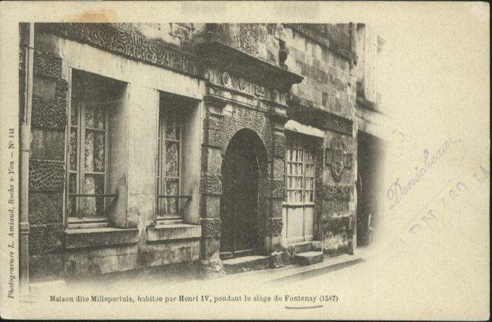 Fontenay-le-Comte Maison dite Millepertuis x / Fontenay-le-Comte /Arrond. de Fontenay-le-Comte