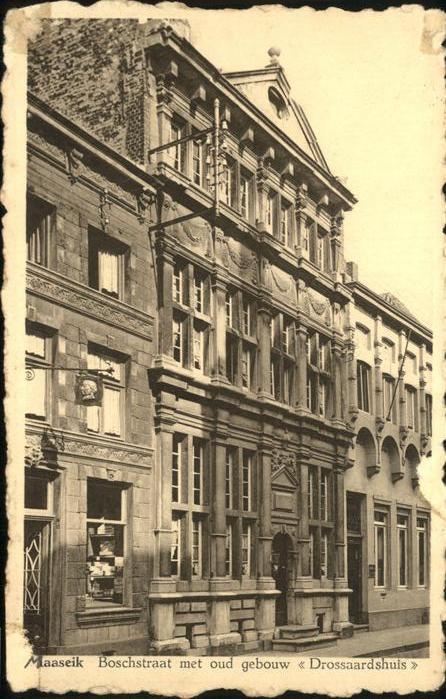 Maaseik Boschstraat met oud gebouw Drossardshuis Kat.
