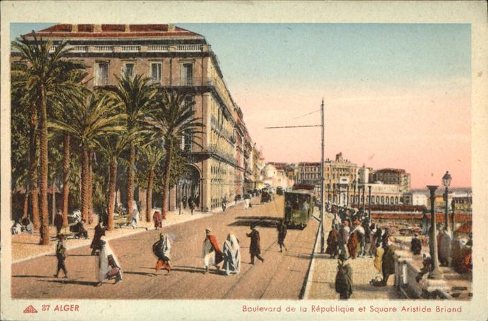 Alger Algerien Boulevard de la Republique et Square Aristide Briand Strassenbahn / Algier Algerien /