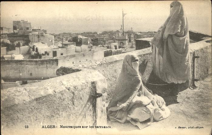 Alger Algerien Mauresques sur les terrasses / Algier Algerien /