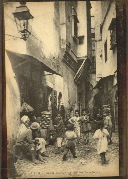 Alger Algerien Dans la Vieille Ville Rue Porte Neuve / Algier Algerien /