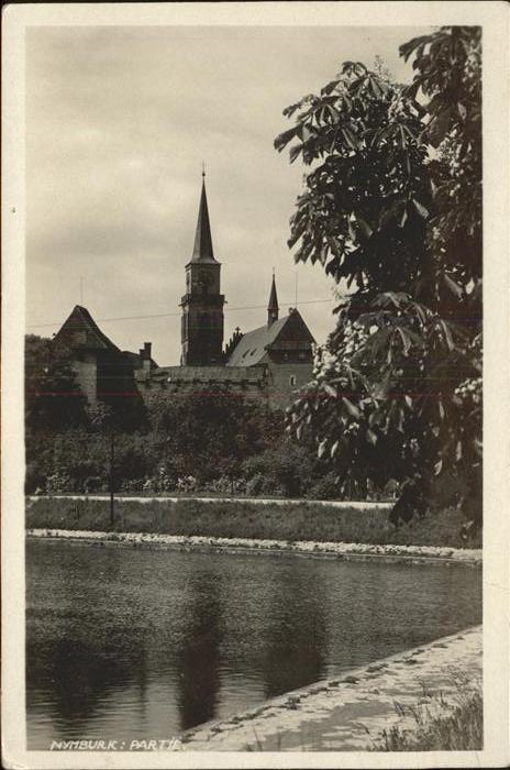 Neuenburg Elbe Nymburk Partie an der Elbe Kirche / Tschechische Republik /