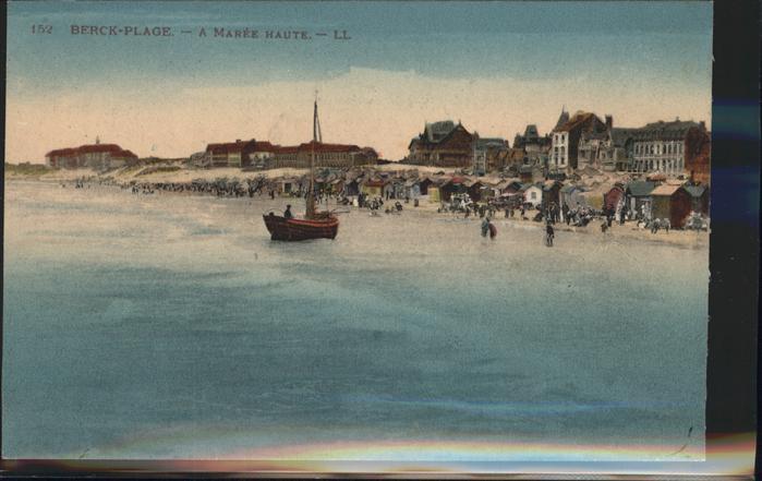 Berck-Plage A maree haute bateau / Berck /Arrond. de Montreuil
