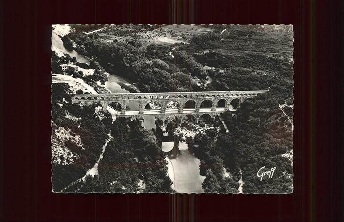 Vers-Pont-du-Gard Bruecke aerienne du Pont Fliegeraufnahme / Vers-Pont-du-Gard /Arrond. de Nimes