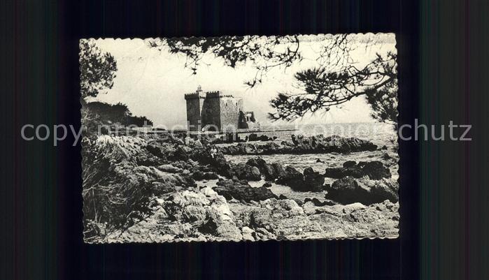 Ile Saint Honorat Alpes Maritimes Ancien Monastere a travers les pins Kat. Cannes