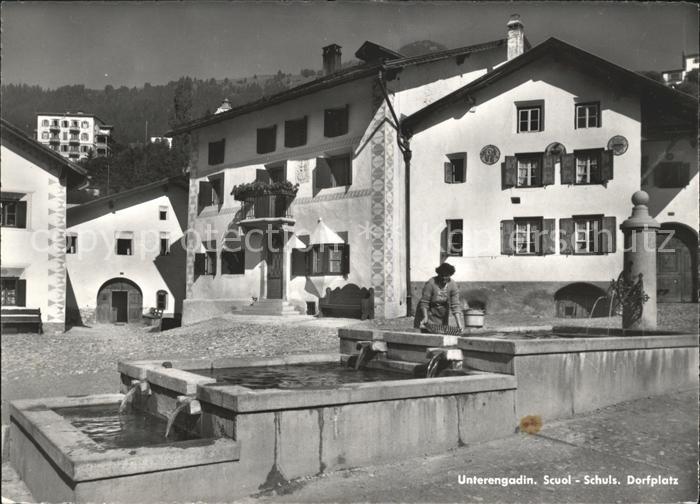 Schuls GR Dorfpartie mit Brunnen Waschfrau Kat. Scuol