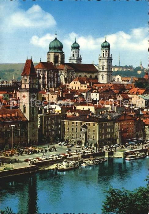 Passau Donaupartie mit Rathaus und Dom Kat. Passau