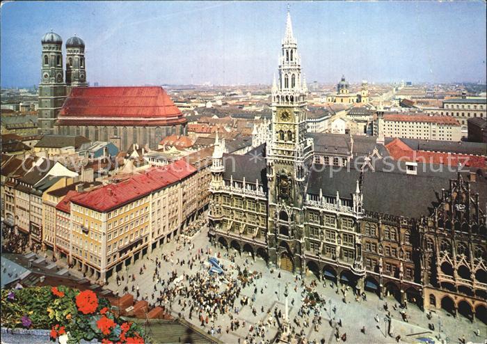 Muenchen Fliegeraufnahme Marienplatz und FRauenkirche Kat. Muenchen