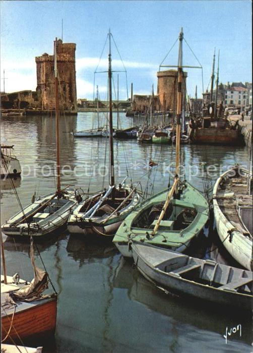 La Rochelle Charente Maritime Entree du Vieux Port Tours de la Chaine et Saint Nicolas Kat. La Rochelle