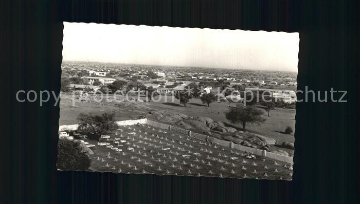 Niger Zinder Quartier Commercial Au premier plan le Cimetiere Kat. Niger