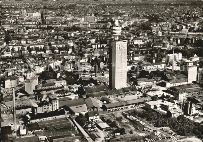 Frankfurt Main mit Henninger Turm Fliegeraufnahme Kat. Frankfurt am Main