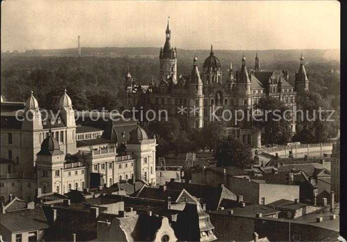 Schwerin Mecklenburg Blick vom Dom auf Schloss und Stadttheater Kat. Schwerin