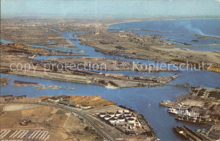 Los Angeles California Union Oil Company Long Beach Harbor Air view Kat. Los Angeles