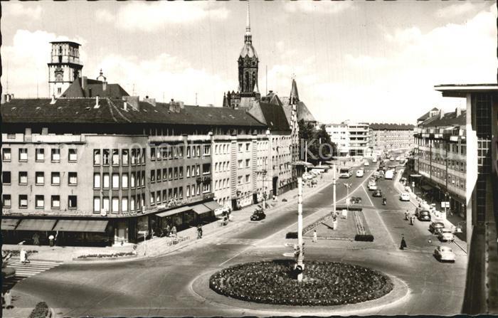 Expressive Vitrine An Der Marienkirche: Der Artikel Mit Der Oldthing-id '15573280' Ist Aktuell