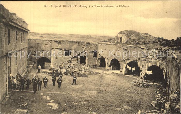 Belfort du Quercy Cour interieure du Chateau Kat. Belfort du Quercy