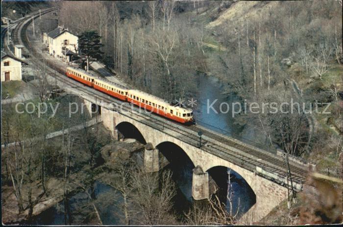 Laguepie Autorail franchissant l Aveyron pres de la gare de Laguepie Kat. Laguepie