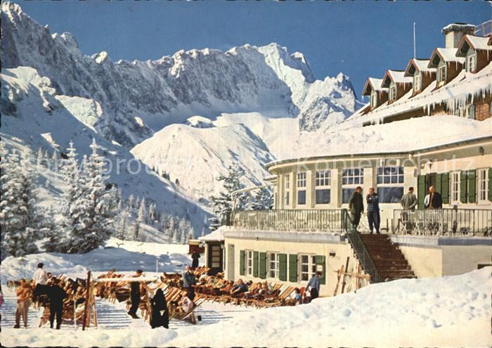 Garmisch Partenkirchen Kreuzeckhaus gegen Zugspitze  Kat. Garmisch Partenkirchen