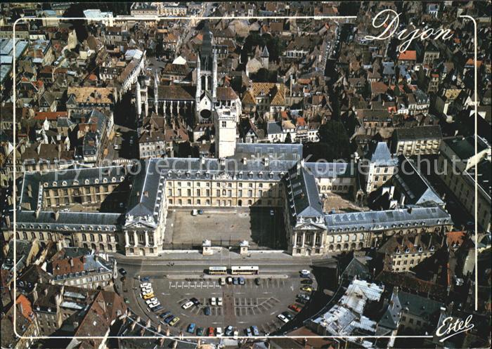 Dijon Cote d Or Place de la Liberation Place des Ducs de Bourgogne Eglise Notre Dame vue aerienne Kat. Dijon