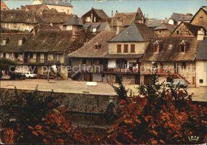 Argentat Vieilles Maisons au bord de la riviere Kat. Argentat