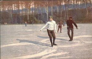 Schlittschuhlaufen Eislaufen  / Sport /