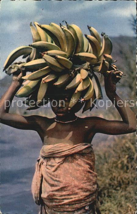 Typen Afrika Petite marchande de bananes