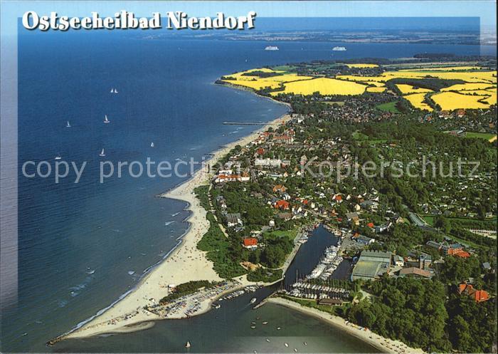 Niendorf Ostseebad Fliegeraufnahme mit Strand und Hafen Kat. Timmendorfer Strand