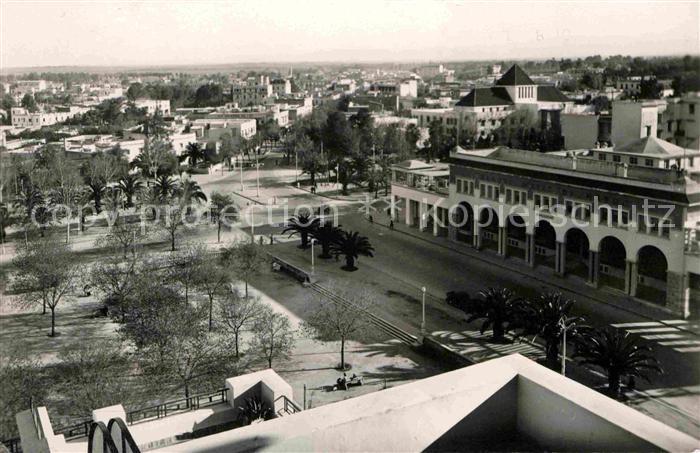 Fes Fez La place Lyautey et la Banque d Etat du Maroc Kat. Fez