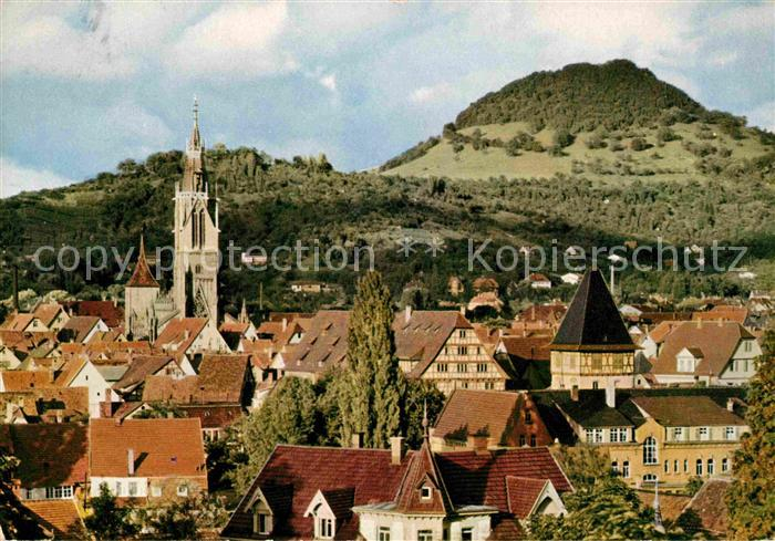 Reutlingen Tuebingen Marienkirche mit Achalm Hausberg der Stadt