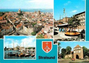 Stralsund Mecklenburg Vorpommern Blick von St Marien Kutter Museum fuer Meereskunde und Fischerei Hafen Kniepertor Kat. Stralsund