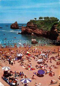Biarritz Pyrenees Atlantiques La Plage du Port Vieux Au fond Le Rocher de la Vierge Kat. Biarritz