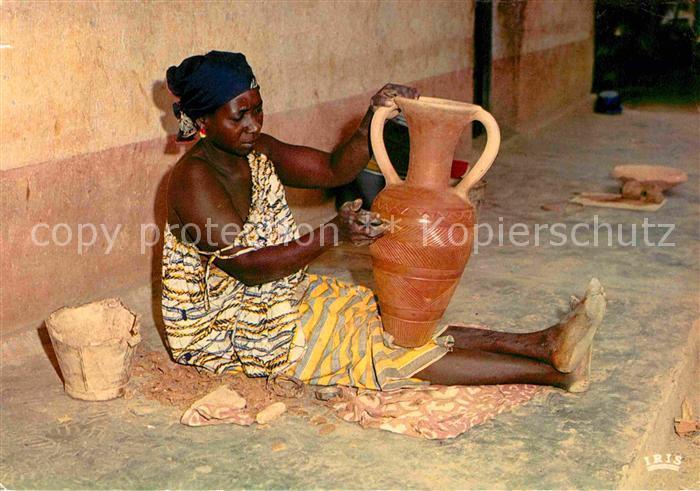 Toepfern Afrika Fabrication des poteries  Kat. Handwerk