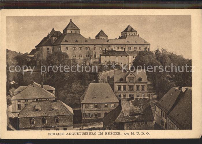 AK / Ansichtskarte Augustusburg Ortsansicht mit Schloss Kat. Augustusburg