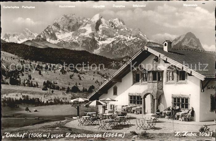 AK / Ansichtskarte Mittenwald Bayern Tonihof mit Zugspitzgruppe Kat. Mittenwald