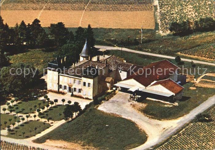 AK / Ansichtskarte Julienas Fliegeraufnahme La Cooperative et le Chateua Kat. Julienas